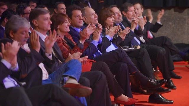 Encuentro de presidenciables con Magnetto: una foto muy noventas
