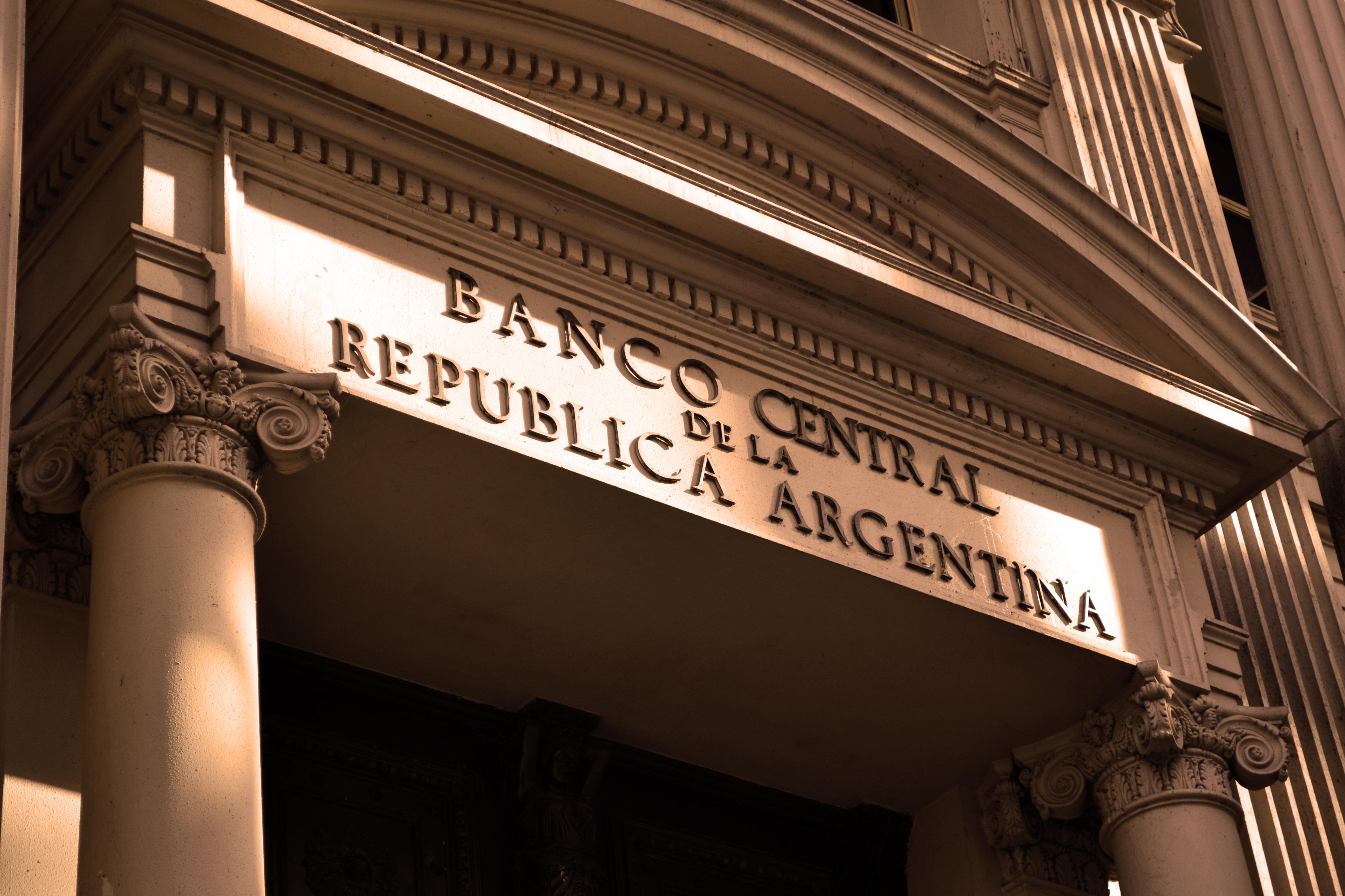 Arden los rumores en la city y tiemblan algunos banqueros