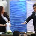 CFK tomando juramento al ex titular de la SI, Héctor Icazuriaga