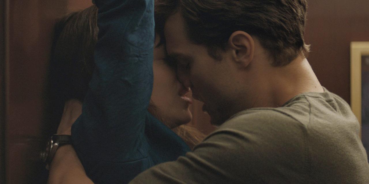 Agarrá el látigo: llegó al cine las Cincuenta sombras de Grey