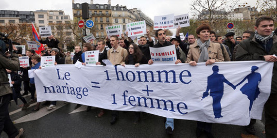 Manifestación en Francia contra el matrimonio igualitario impulsada por la iglesia católica.