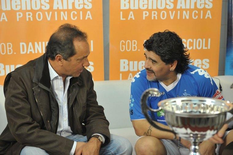 Insólito: Maradona, enloquecido por bajarle un futuro ministro a Scioli.