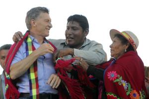 """Macri le pidió """"fortaleza"""" a la madre tierra en Jujuy."""
