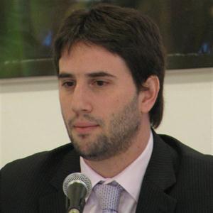 Luciano Cohan. Economista.