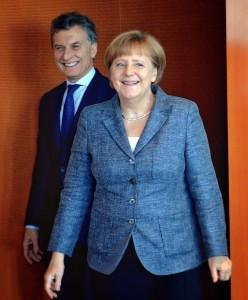 Merkel y Macri, en Berlín este martes.