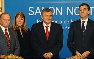 Randazzo convocó a la oposición al diálogo político después de la elección de 2009. Carrió no fue.