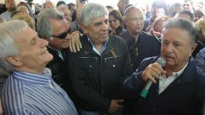 En San Vicente, Duhalde con los sindicalistas Moyano, Barrionuevo, Caló y el triunvirato de las CGT.