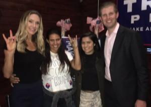 """Eric y su foto con """"latinas contra Trump""""."""