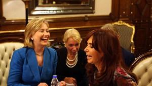 Hillary, como secretaria de Estado, con Cristina en 2010.
