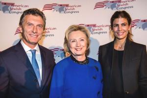 En 2014, Macri y Awada en una cena con Hillary en Nueva York.