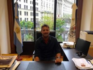 Sergio Costantino, secretario de Descentralización, defiende el convenio.
