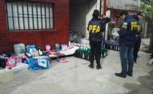 El allanamiento de una fábrica de jabón líquido trucho, en San Martín.