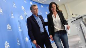 La ministra Stanley, con Macri.