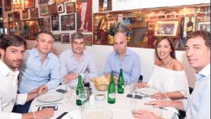 Salvai y Santilli, en los extremos de una mesa de almuerzo PRO. Dos convocados al retiro.