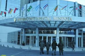 Medidas de seguridad para el hotel donde se reunirán los presidentes.
