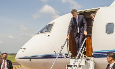 Macri avion portada