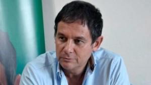 Costa, diputado opositor.