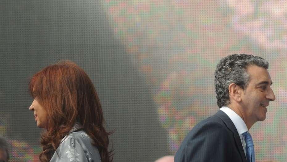 """Pases polémicos: Randazzo denuncia que los intendentes de CFK le """"compran"""" candidatos"""