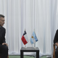 Macri y Bachelet banderas