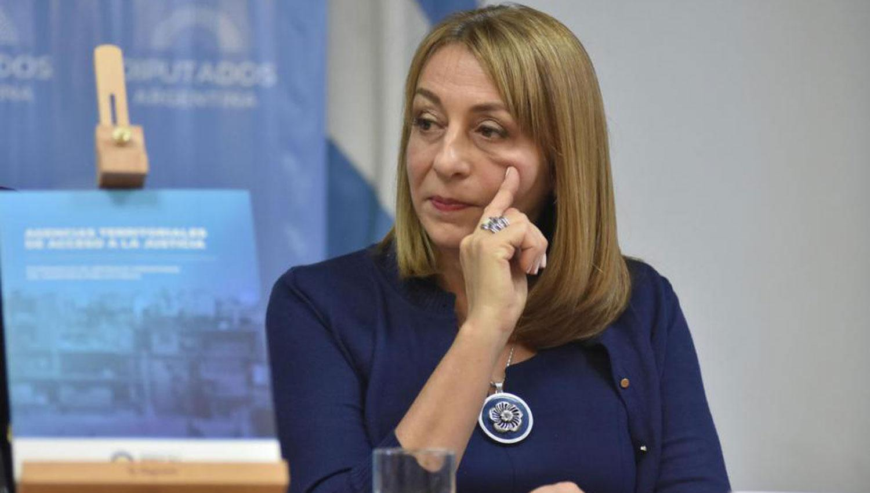 El nuevo plan del Gobierno contra Gils Carbó: cómo multiplicó gastos, cargos y presupuestos