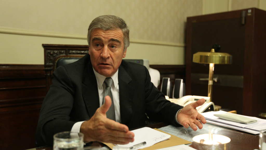 El ahora ministro Aguad pidió informes por los accidentes de aviones cuando era diputado.