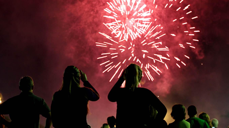 Solo el 15% de los municipios bonaerenses prohibió el uso de pirotecnia en las fiestas