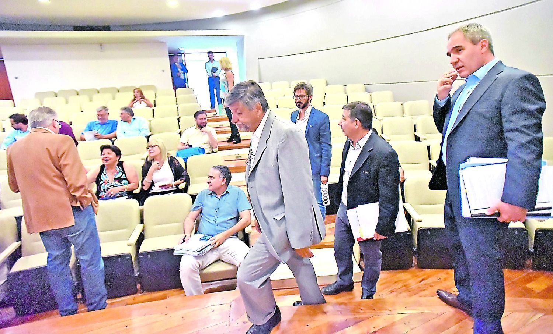Segundo intento y fracaso en la legislatura de Chubut. ¿A marzo?