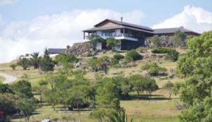 La mansión de la chacra El Gran Chaparral.