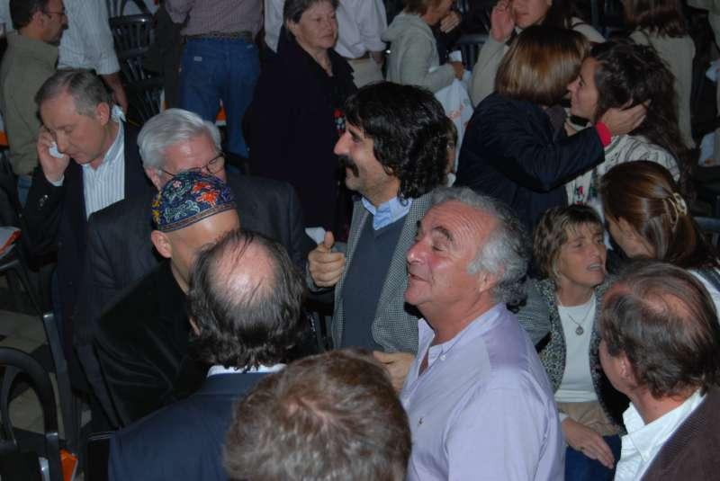 Melconián, Bergman y González Fraga (de espaldas) en la Fundación Pro Alvear.