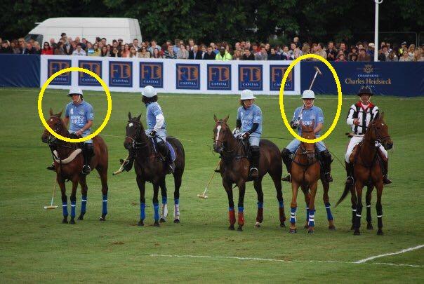 Lucas Talamoni, a la izquierda. Alexander Nix, al lado del árbitro. Vínculos del polo