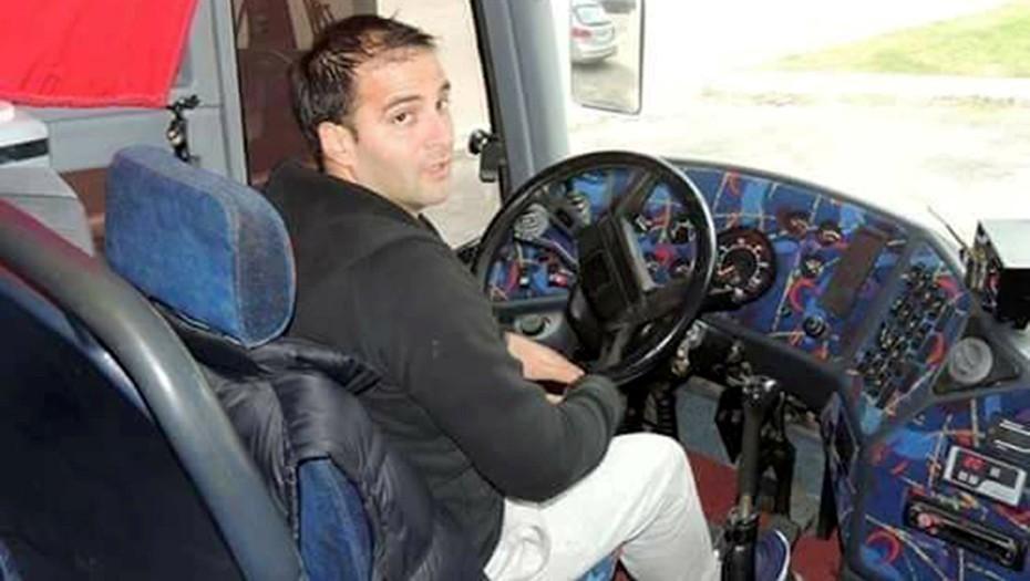 Pinelli, el chofer, murió en el accidente. Su padre, copiloto, fue detenido por seguir manejando ilegalmente.