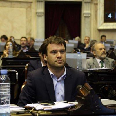Juan Manuel López, en su banca.