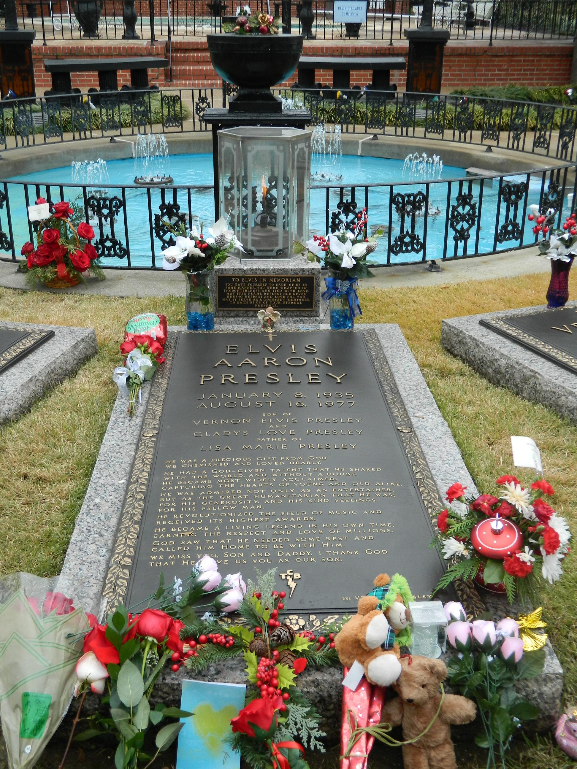 Presley tumba