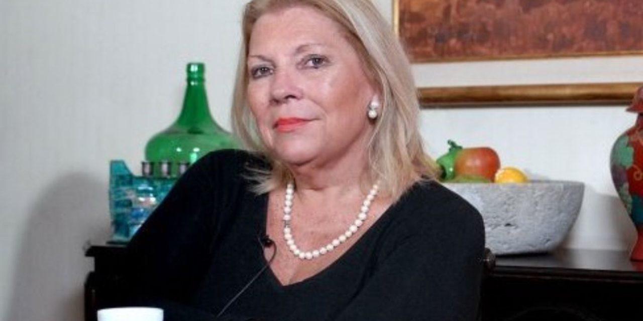 El sainete del Gobierno con Carrió, entre mimos y desplantes