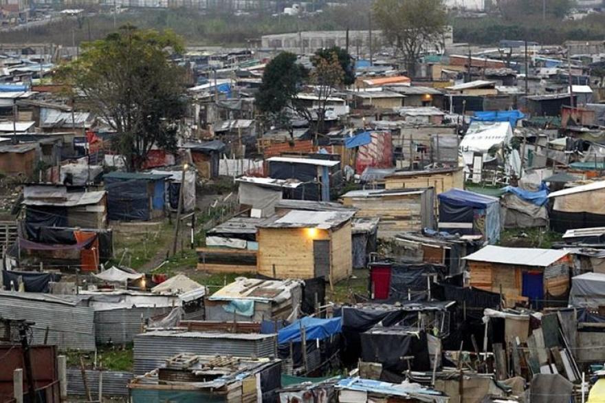 Campaña en el tercer cordón: miles de escrituras provisorias en asentamientos