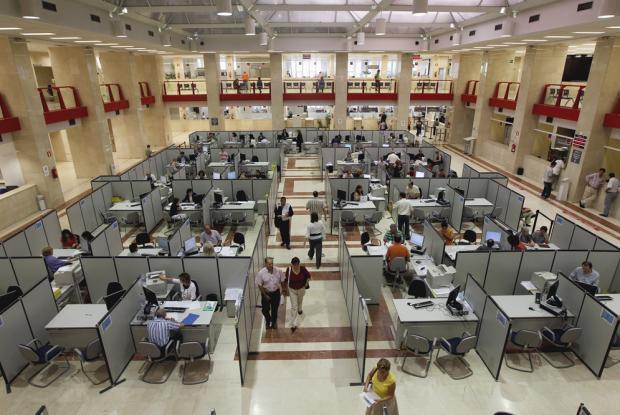 Polémica por la contratación de monotributistas en cargos oficiales
