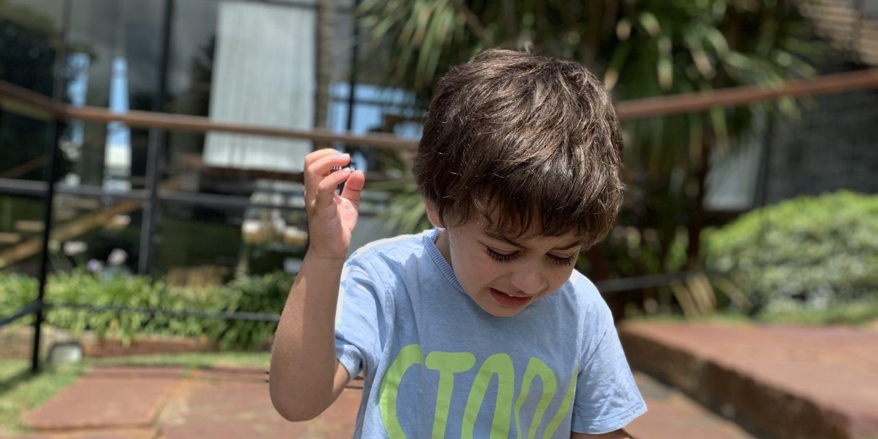Autismo: guía práctica para diferenciar una crisis de un berrinche y herramientas para ayudarlos
