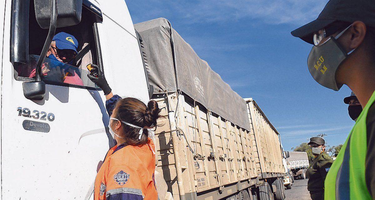 """""""Coronapase"""": camioneros pagan $1500 de su bolsillo para el test de ingreso a las provincias"""